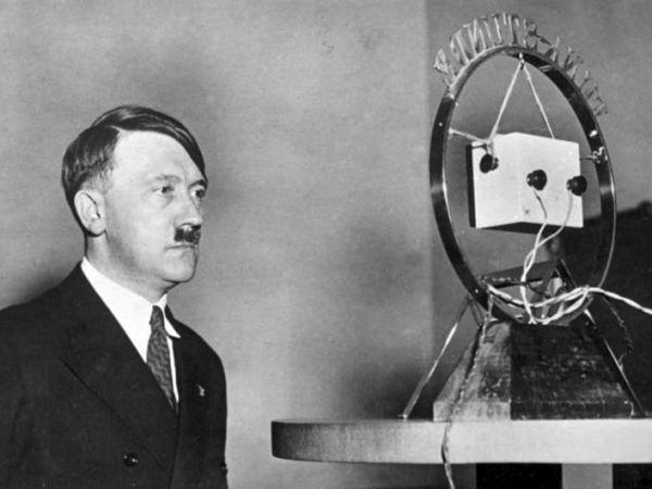 Adolf Hitler w trakcie przemówienia