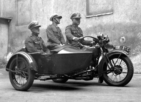 policyjny motocykl